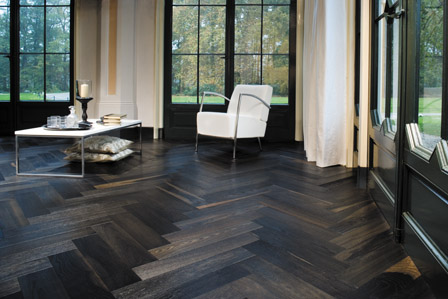 Dark wood Herringbone floor