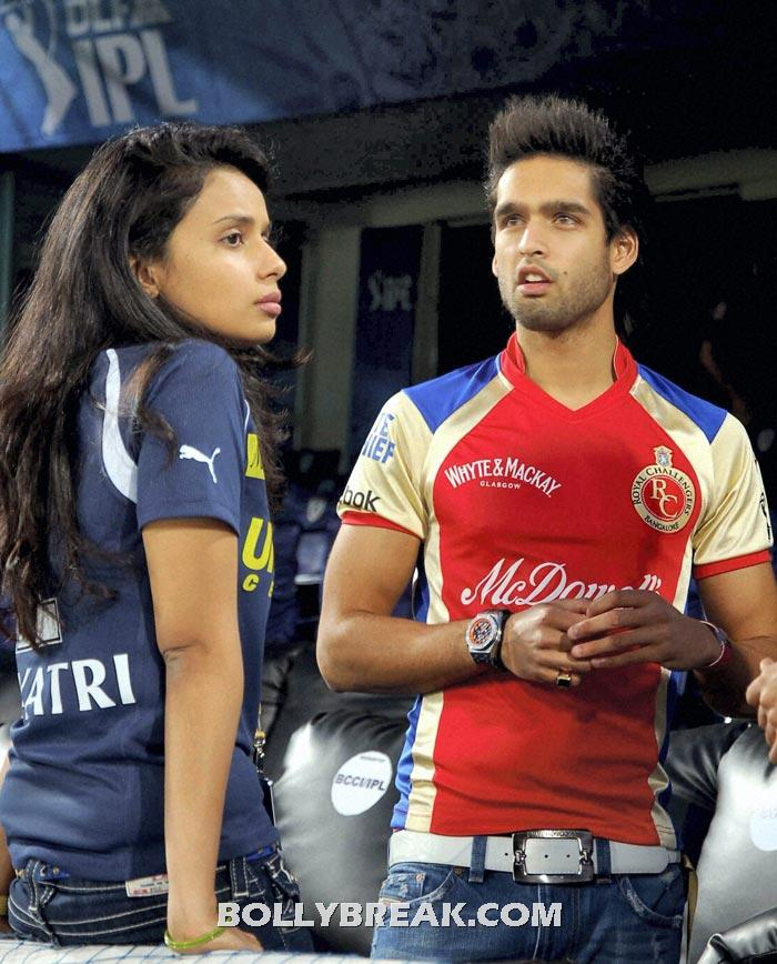 Gayatri Reddy with sidharth mallaya - (18) - Gayatri Reddy Hot Pics at IPL Matches