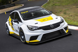Opel Astra TCR 2016 Front Side