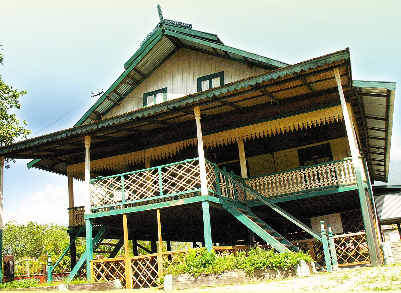 Wisata Budaya Rumah Tradisional Banua Mbaso Palu