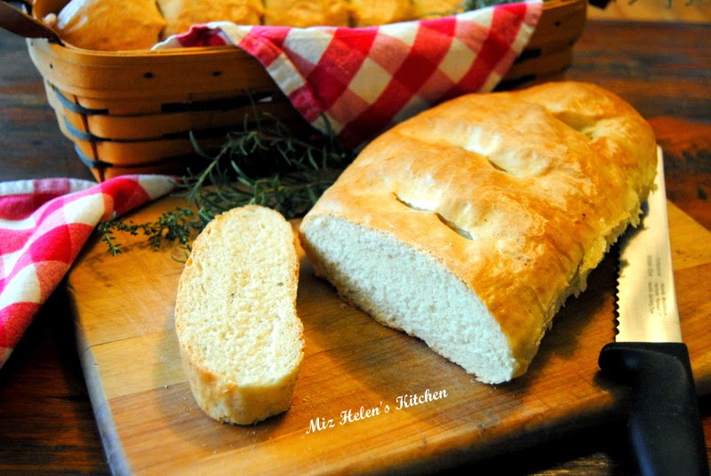 Garlic Herb Bread at Miz Helen's Country Cottage