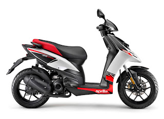 Service Motorcycle  2012 Aprilia SR Motard 125 Specifications