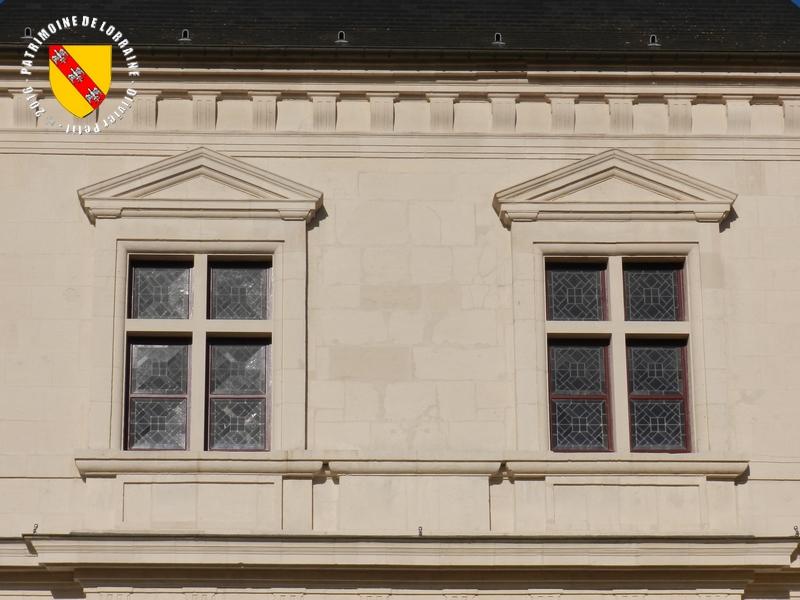 Patrimoine de lorraine nancy 54 porte saint georges for Architecture triangulaire