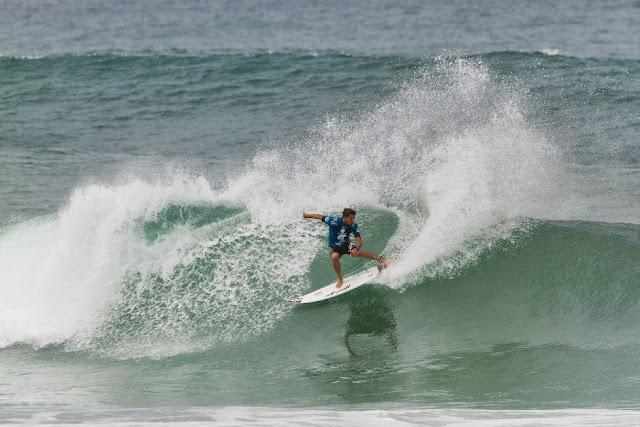 29 Alex Ribeiro Oi Rio Pro 2015 Fotos WSL  Daniel Smorigo