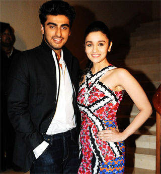 Arjun Kapoor turns Hindi tutor