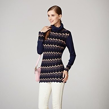 ladies Navy blueChevron design abstract sweater