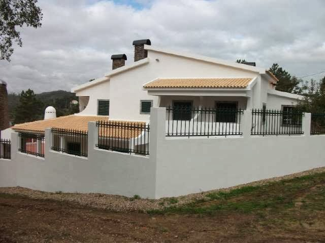 http://www.lardocelar.com/imobiliario/imovel_detalhes.jsp?pesq=7&id=3336104