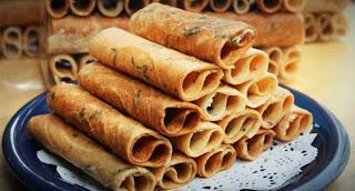 ขนมไทย ขนมโบราณ กาพย์เห่ชมเครื่องคาวหวาน ทองม้วน