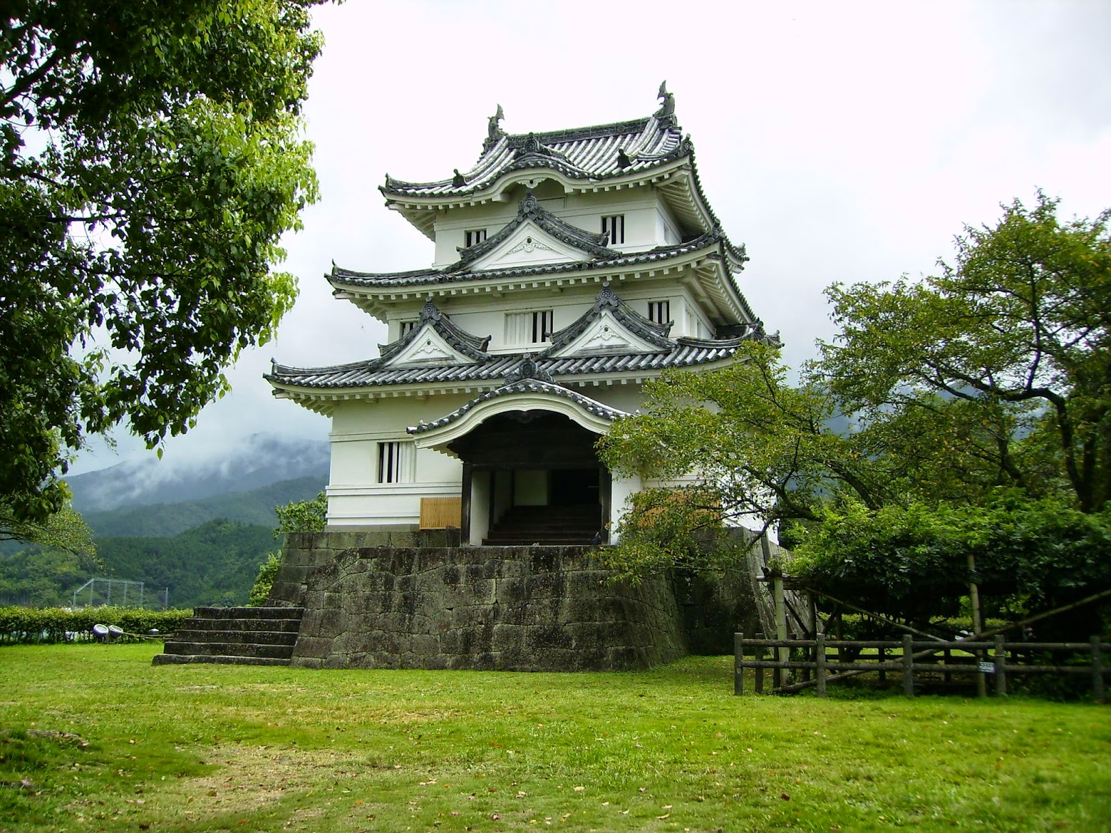 قلعة يواجيما الأثريه في اليابان