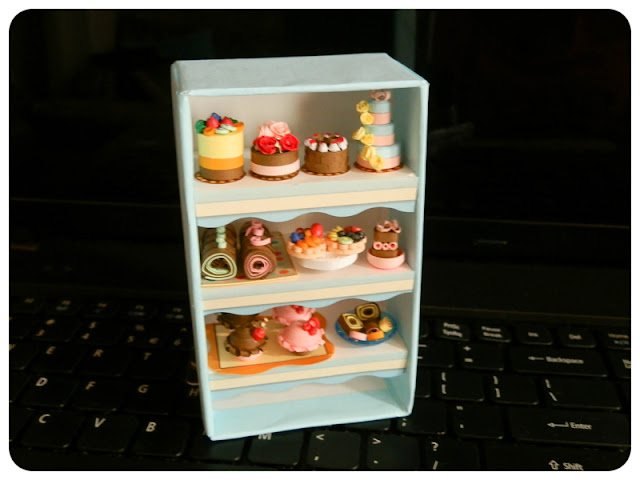 Miniature Bakery Stand