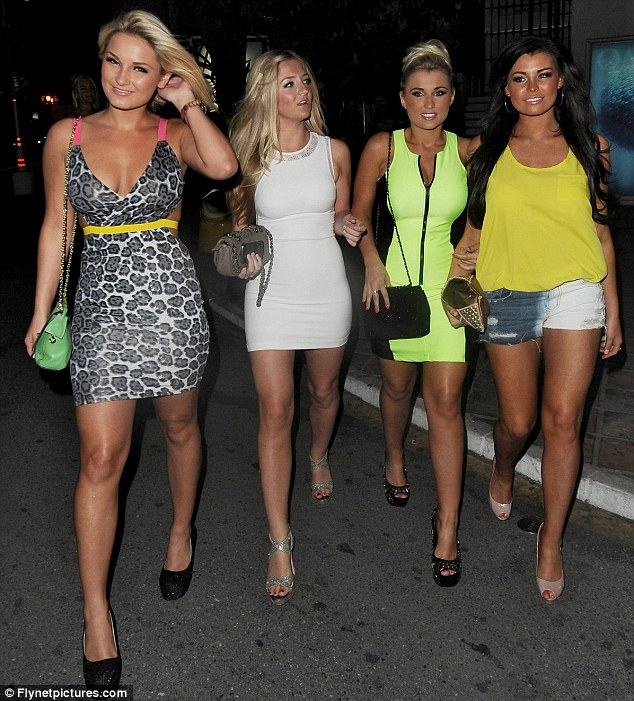 The Eact Match Faiers Sisters Love Celeb Boutique In Marbella