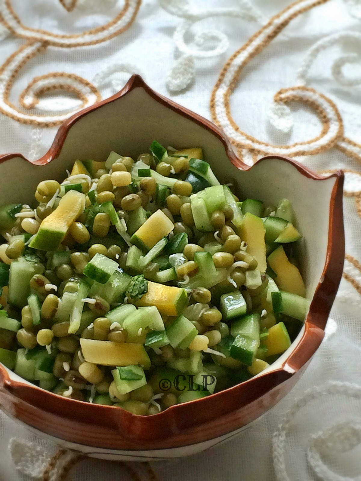 Sprouts salad without oil