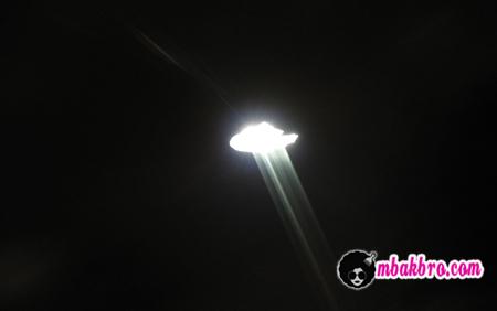 cahaya UFO