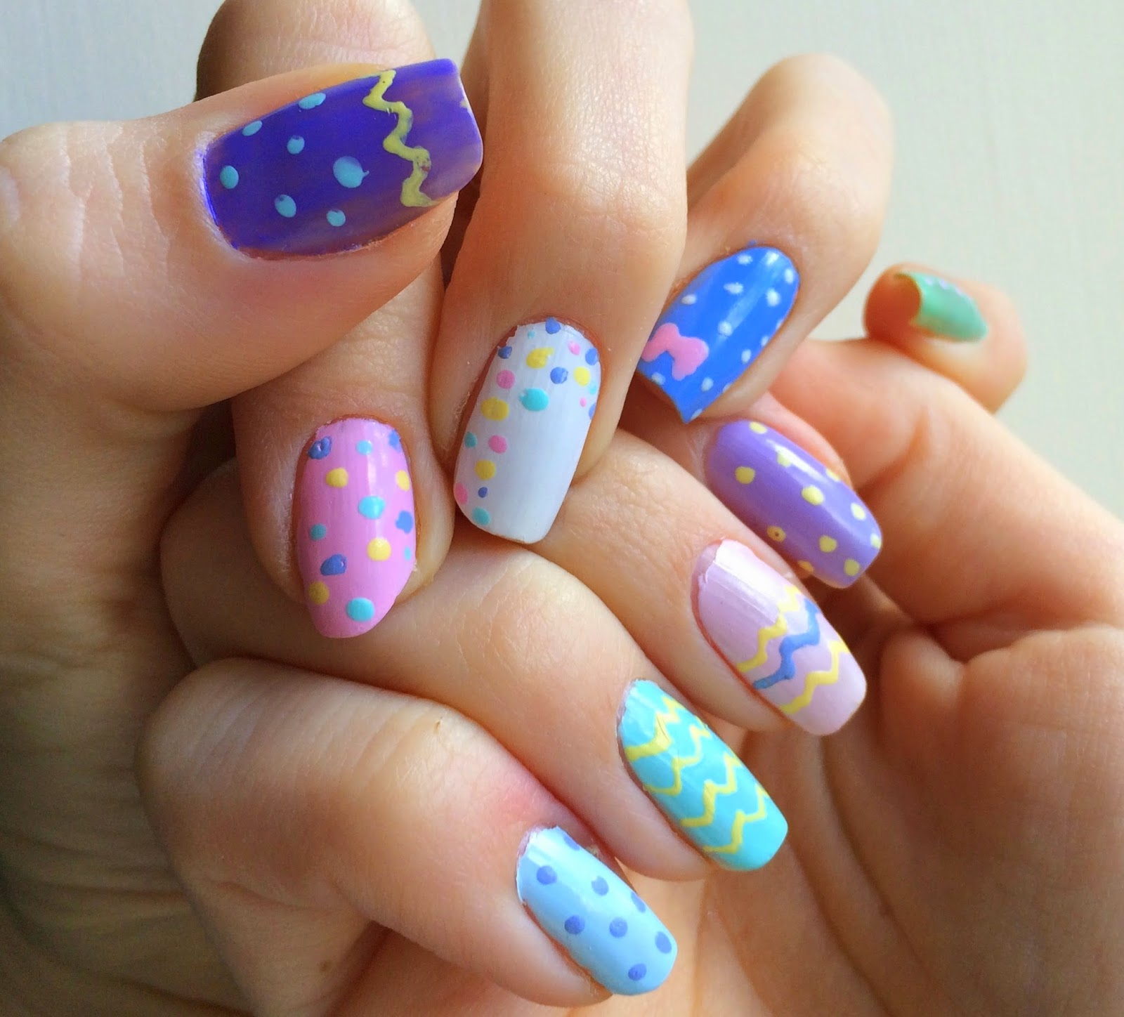 easter-nails-colourful-dots-zig-zags