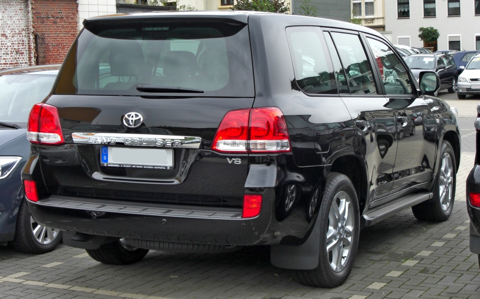 Latest Cars Models Toyota Land Cruiser V8