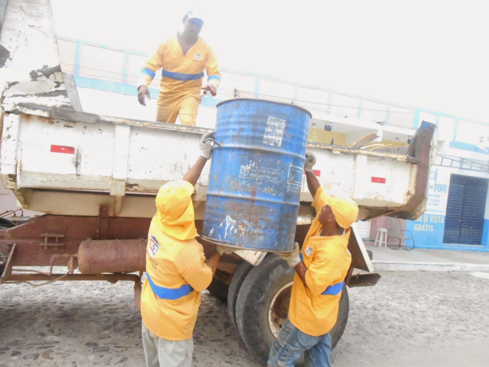 MUNICIPAL: Cartão Verde para a Limpeza: Limpeza Pública dando exemplo de competência!