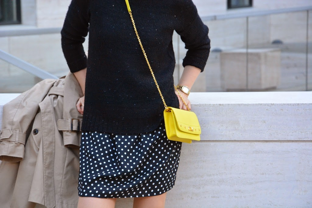 Yellow bag MCM, polka dots dress