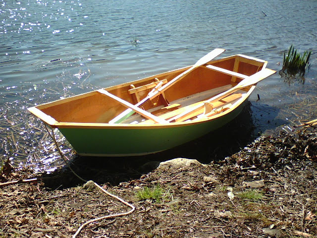 "A Skiff Wind: Project Completed, ""Tartlet"", the Sam Pram single sheet plywood boat and custom oars!"