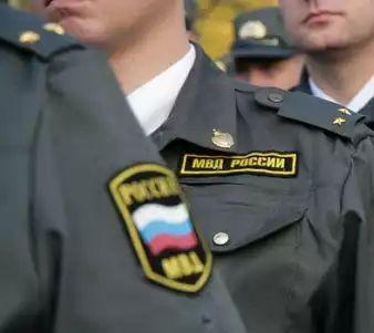 Питерские полицейские спасли честь страны