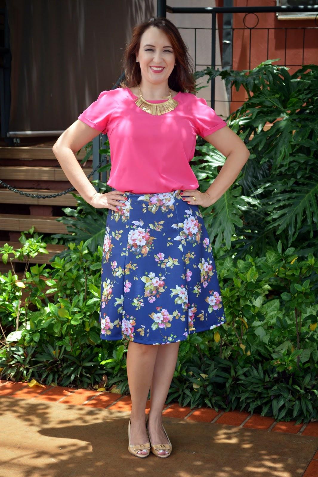blusa pink, saia floral, saia floral rodasa, saia floral evasê, sapato nude, sapato nude carmen steffens, blog de moda em ribeirão preto, blogueira de moda em ribeirão preto, fashion blogger, blog camila andrade