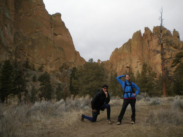 hiking around smith rock