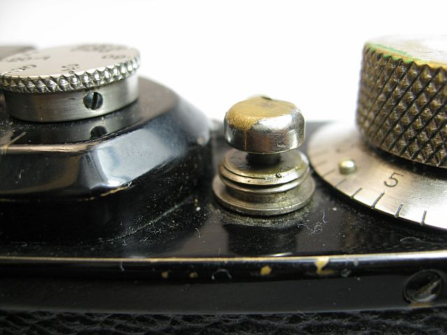 Leica II shutter release