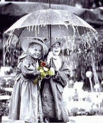 """""""Deixa chover, deixa a chuva molhar..."""""""