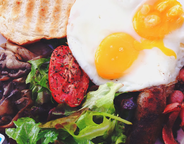W39 Bistro & Bakery Hearty Breakfast Full Works