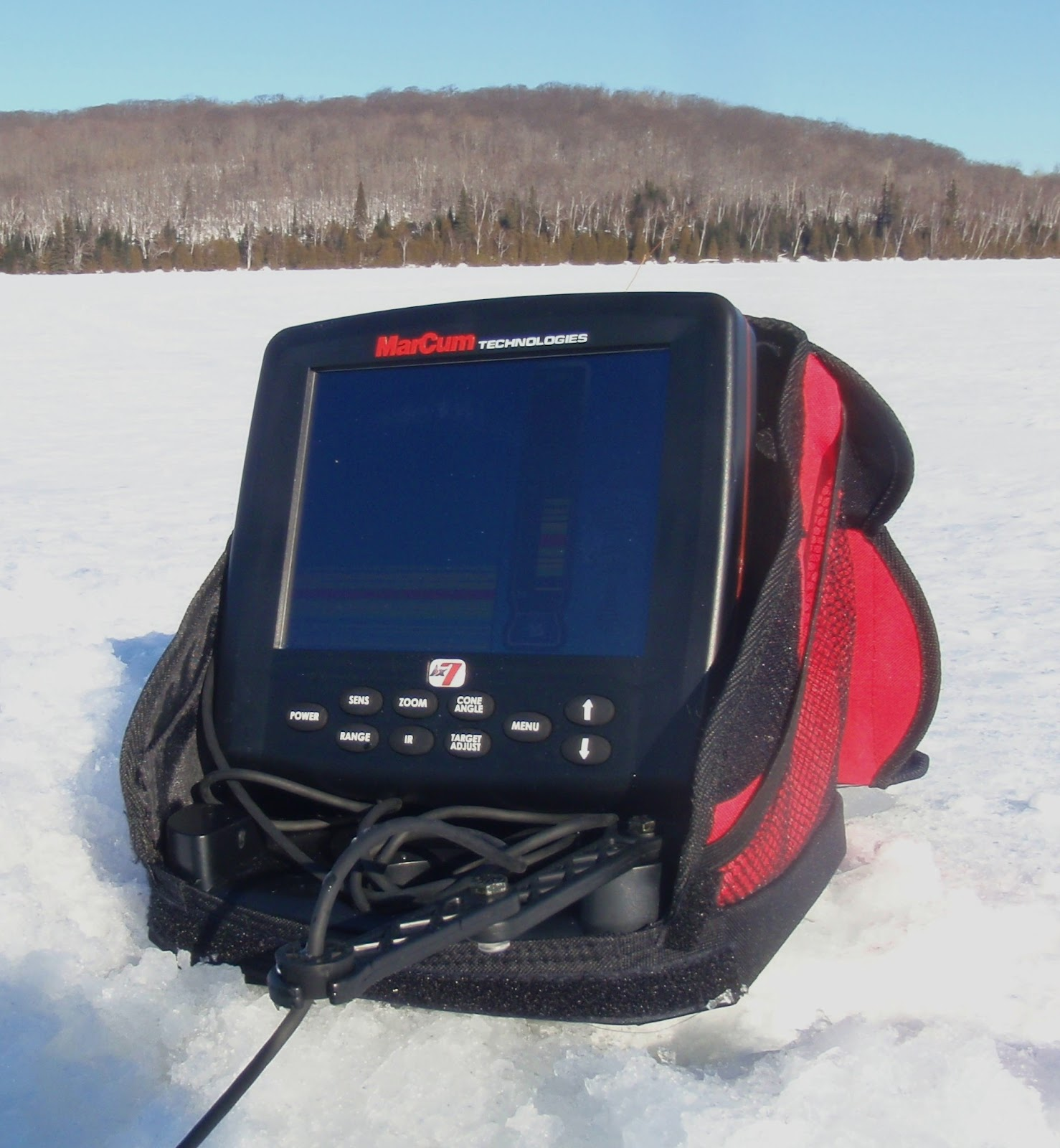 Bass junkies fishing addiction the rise of the marcum lx7 for Best ice fishing flasher