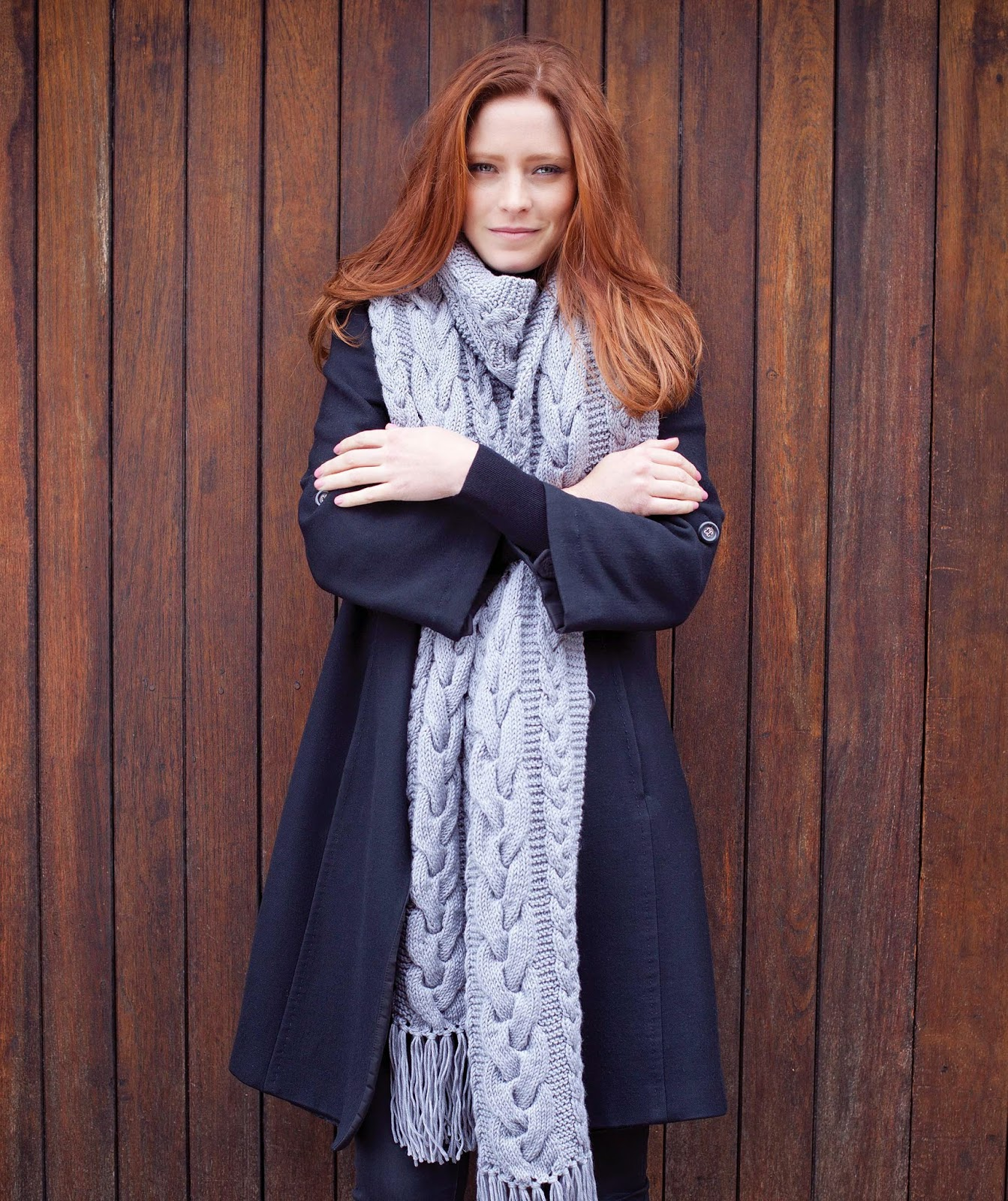 http://www.millamia.com/pat_size.php?name=Annette Scarf