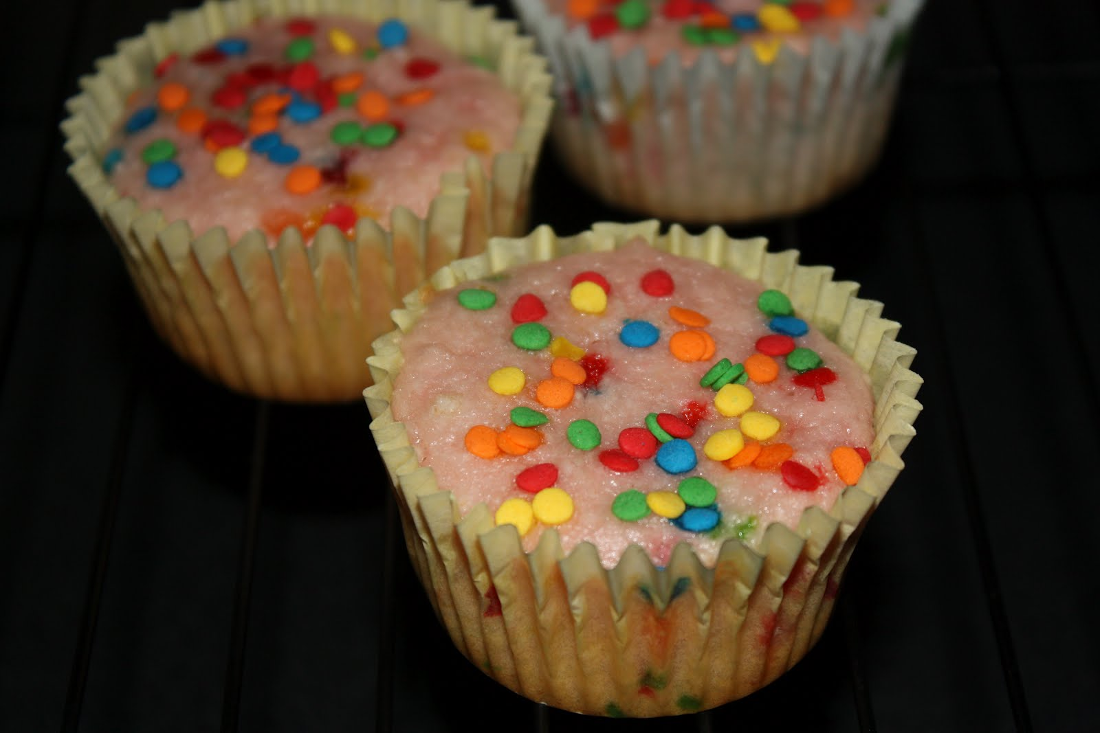 Southern Living Yankee: Pink Lemonade Confetti Cupcakes