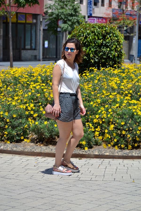 look_short_estampado_cuñas_con_brillantes_joya_lolalolailo_05