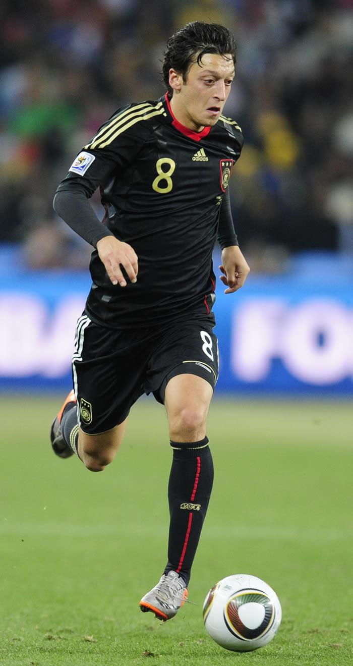 Ozil Profile Stars: With Football Latest Mesut New Photos
