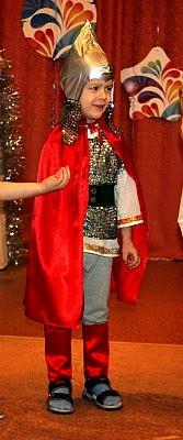 Богатырь новогодний костюм в русском стиле для дошкольника