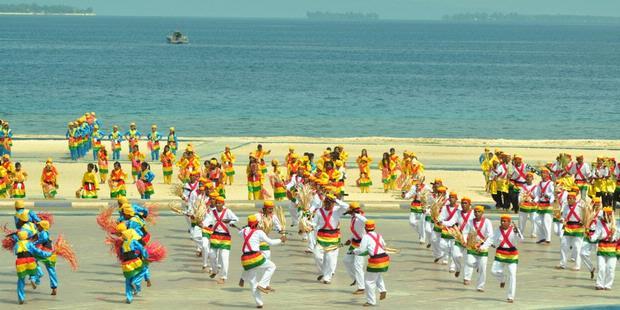 Puluhan Tarian Daerah Warnai Puncak Sail Morotai