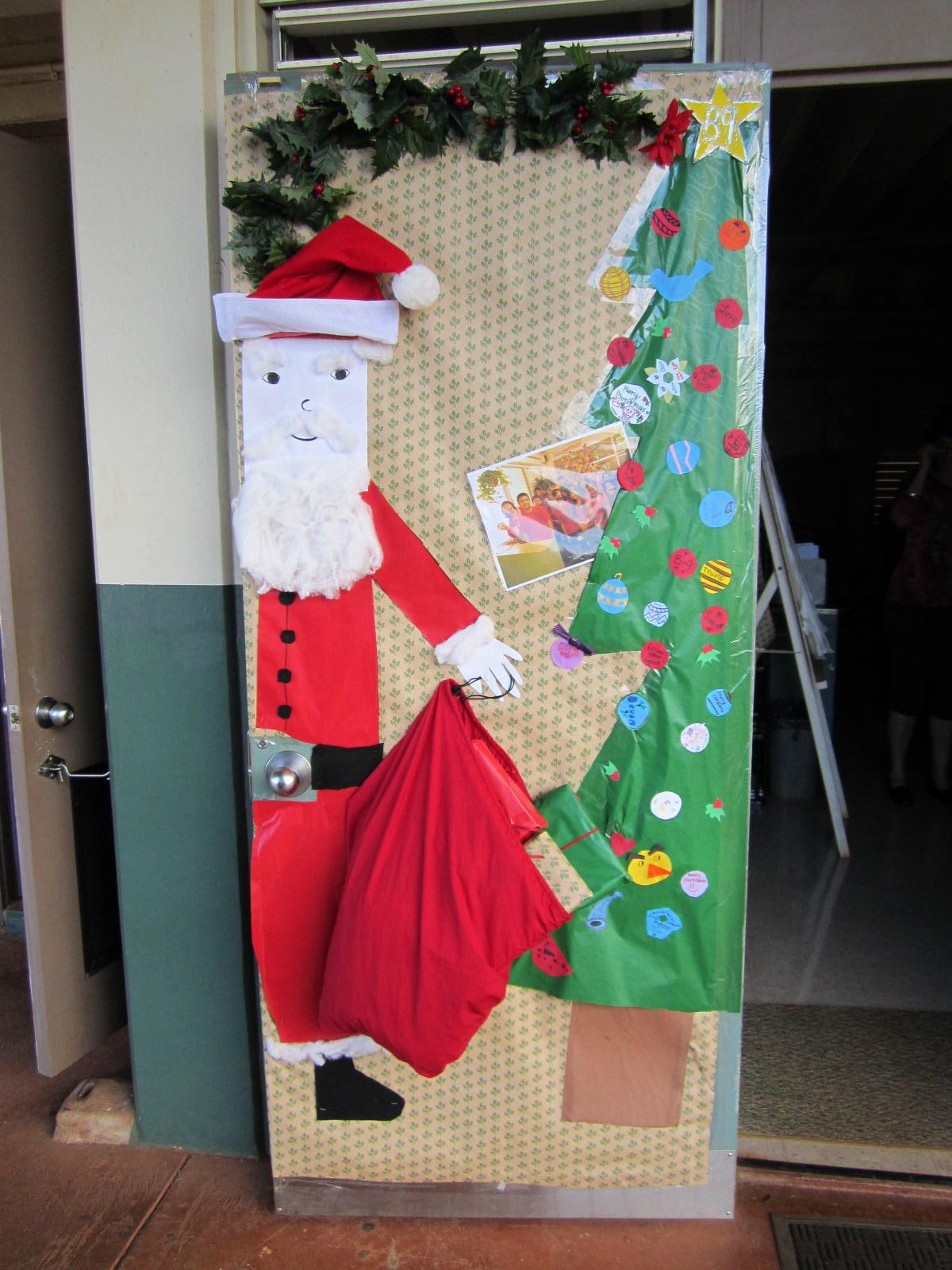 Highlands intermediate student activities christmas door - Door decorating for christmas ...