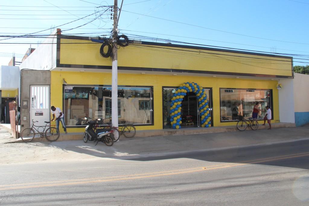Inaugurou hoje a Ivanil Materiais de Construção na Rua Antônio Ferreira da  Fonseca em Italva. A ampla loja já está funcionando e promete ser uma  excelente ... de0e9c2341