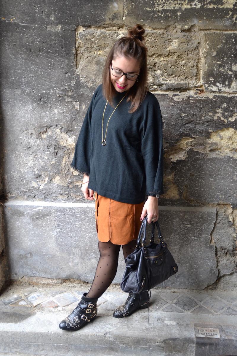 jupe suédine Boohoo, pull kimono Isabel Marant, collant à pois Calzedonia, balenciaga bag, mango, boots suzanna