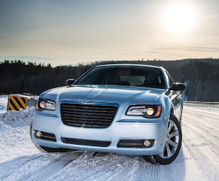2013 Chrysler 300 Glacier Edition front angle