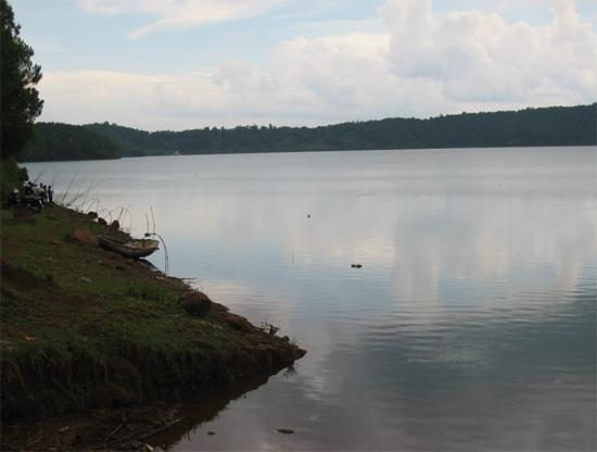 Gia Lai: Nữ sinh nhảy Biển Hồ tự tử