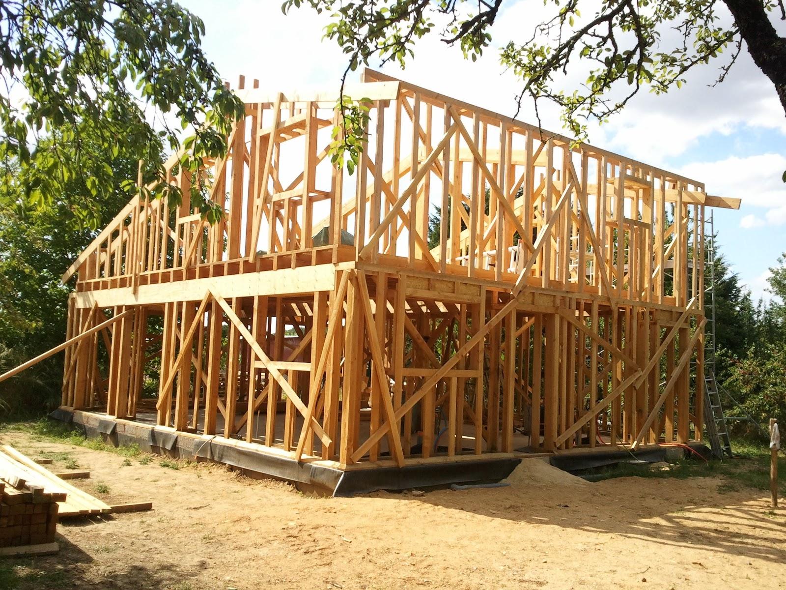 Notre maison ossature bois isolation paille mai 2011 for Realisation plancher bois etage