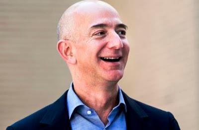 Jeff Bezos orang terkaya di dunia