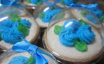 doorgift cupcakes + dome casing container