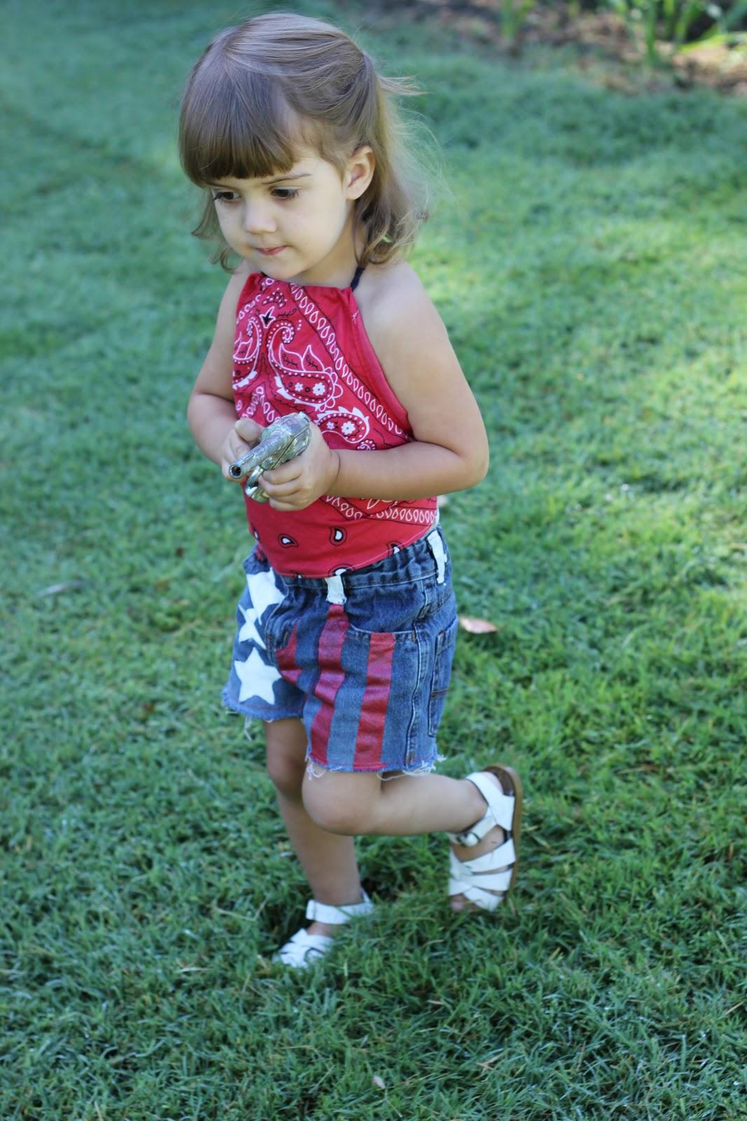 American flag cutoffs bandana halter top tutorial diy american flag cutoffs and bandanna top baditri Gallery