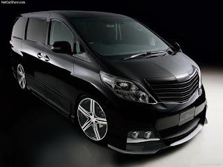 mobil Toyota Alphard