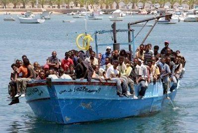 Lampedusa: boatload of refugees #4
