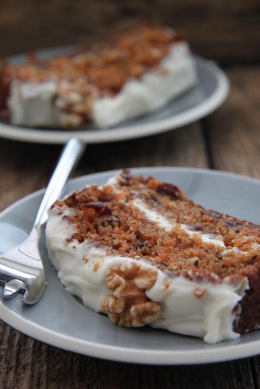 Ciasto marchewkowe z waniliową polewą