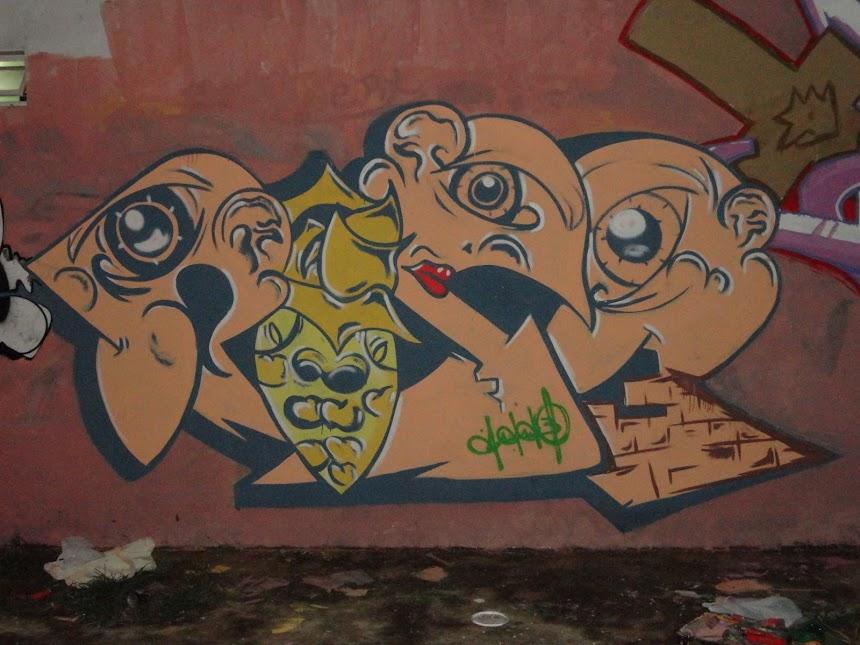 Graffiti persona rise
