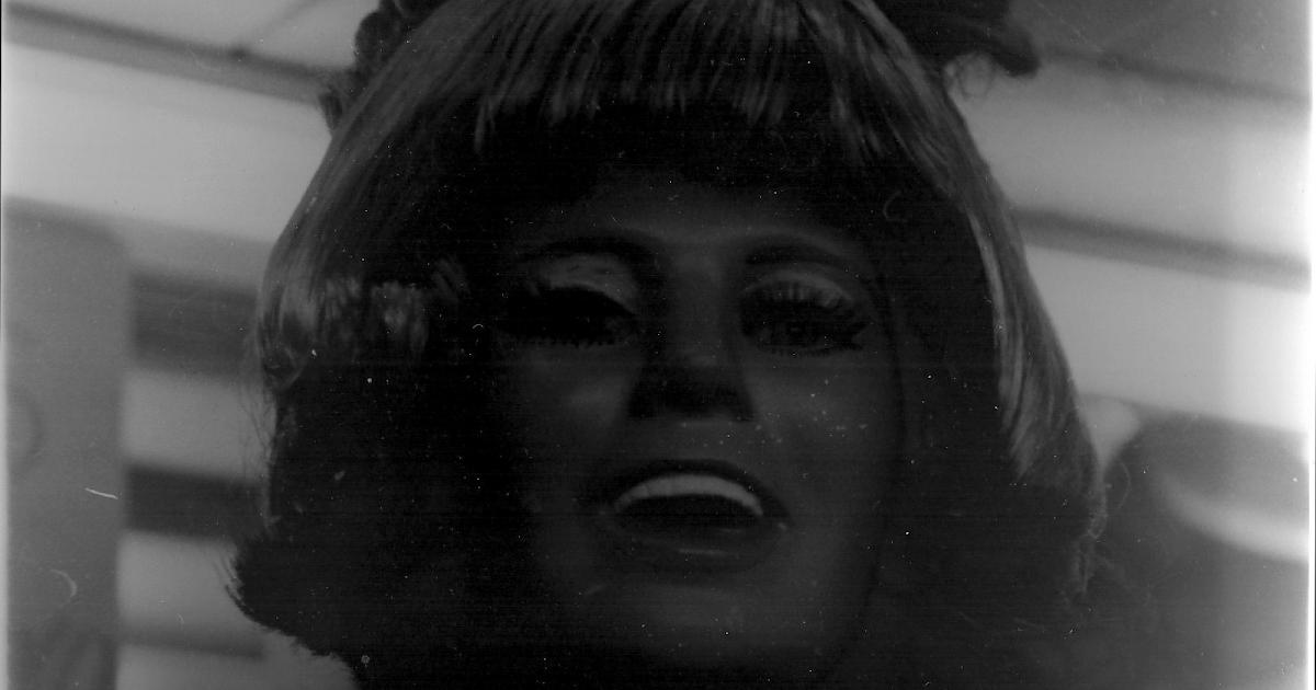 Pelicula Blanco Y Negro A Color Experimento