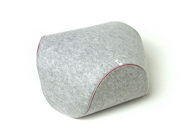 Ufo, almohadon, fieltro, felt, cushion, grey, gris, multifunctional, furniture
